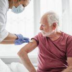 Ποιοι θα έχουν προτεραιότητα στον εμβολιασμό- Οδηγίες του Κέντρου Ελέγχου Νοσημάτων των ΗΠΑ